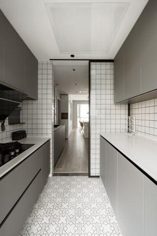 現代簡約風格家庭廚房地砖装修设计图片