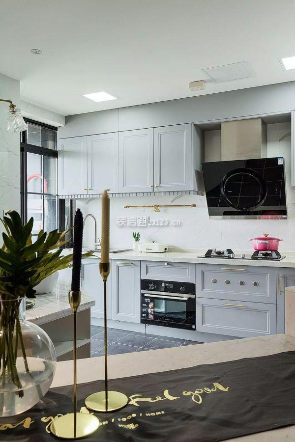 80平米现代厨房装修效果图