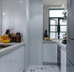 小戶型廚房地面瓷磚裝修設計圖片-每日推薦