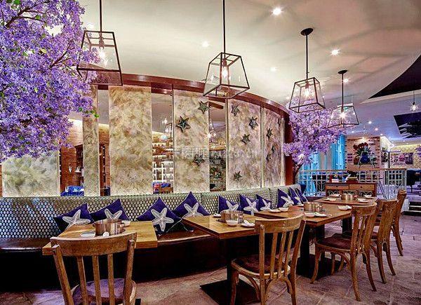一个好的餐饮店很重视环境装饰