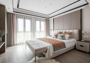 臥室吊頂裝修設計圖 臥室床尾凳效果圖
