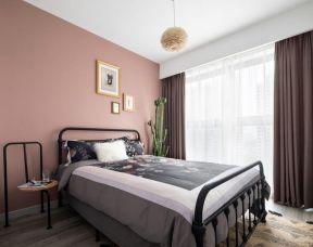 鐵藝床設計圖 臥室粉色壁紙裝修效果圖
