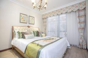 歐式臥室窗簾效果圖 歐式臥室窗簾裝修效果圖 歐式臥室窗簾