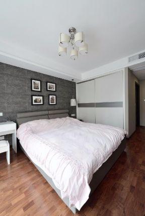 臥室木地板裝修效果圖 臥室木地板圖片 現代臥室衣柜