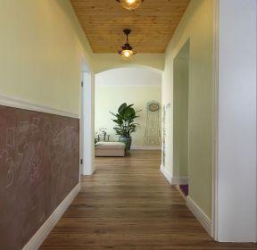 美式田園風格室內走廊吊頂設計效果圖-每日推薦