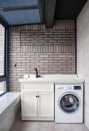 陽臺洗衣機組合柜裝修效果圖 生活陽臺的裝修設計