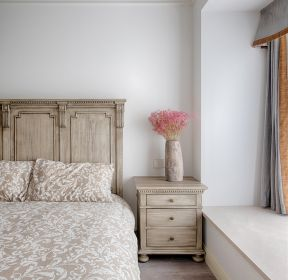 美式風格新房臥室飄窗裝修設計圖-每日推薦