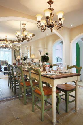 美式田園餐廳 餐廳鏡子背景墻 餐廳鏡面墻裝修效果圖