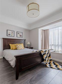 美式風格新房臥室床頭背景墻裝飾設計圖