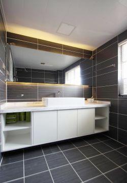 現代新房裝修衛生間洗手臺柜設計實景圖