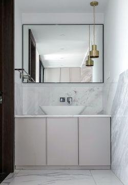 新房裝修簡約衛生間洗手臺設計效果圖