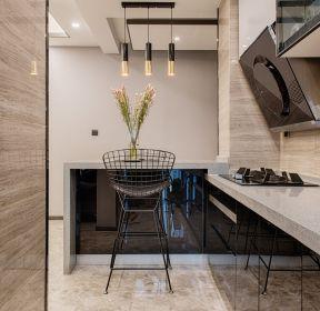 現代風格新房裝廚房烤漆櫥柜圖片-每日推薦