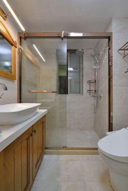 家庭衛生間玻璃門隔斷裝潢設計圖