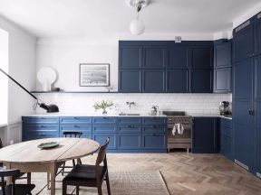 北歐廚房裝修風格 藍色櫥柜裝修圖片