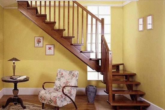 67如何设计小复式的客厅楼梯?小户型客厅装修大有学问!