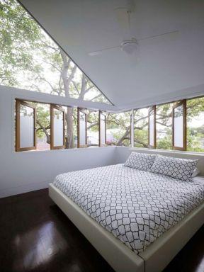 閣樓臥室裝修 臥室窗戶裝修效果圖欣賞