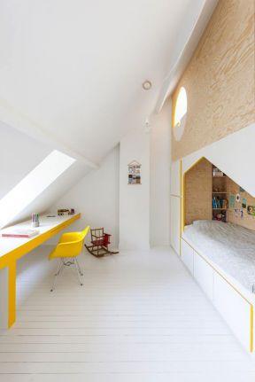 閣樓兒童房  兒童房書桌設計圖片