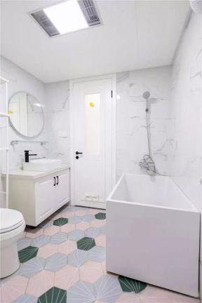 衛生間浴缸設計 衛生間浴缸設計圖片 衛生間設計裝修