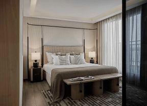 臥室背景墻的設計 臥室床尾凳效果圖