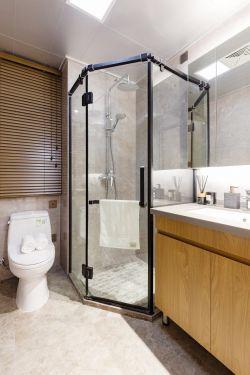三室两厅样板间卫生间淋浴房装修图片