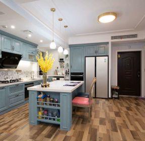 现代美式风格开放式厨房橱柜装修效果图-每日推荐