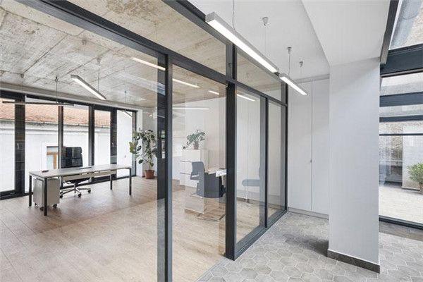 无锡办公室装修玻璃隔断图片