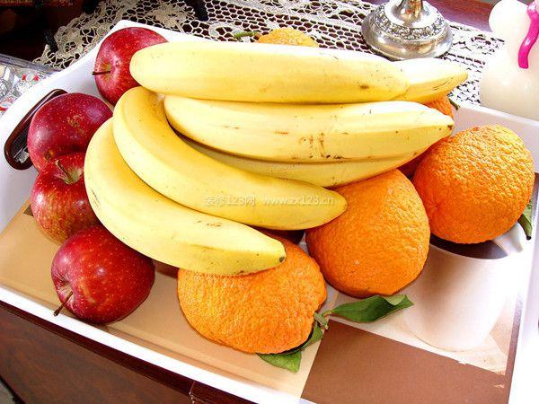 饭后吃水果图片