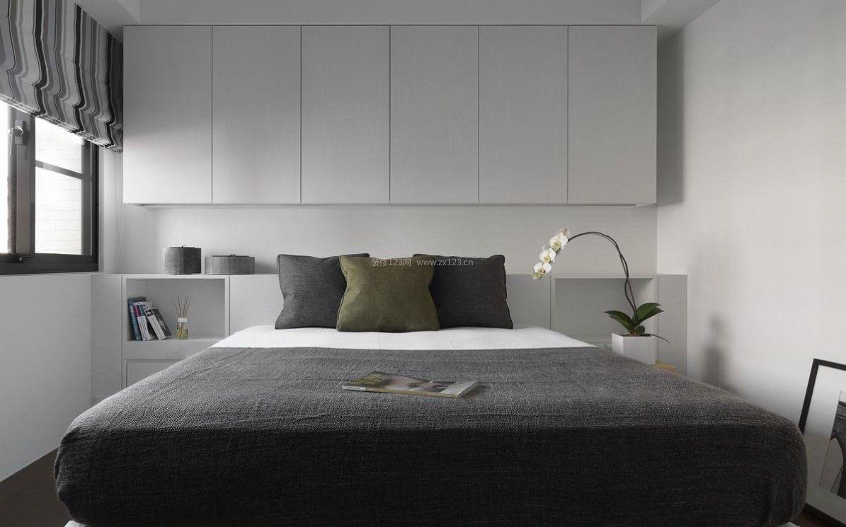 简单卧室床头背景墙床头柜图片来了