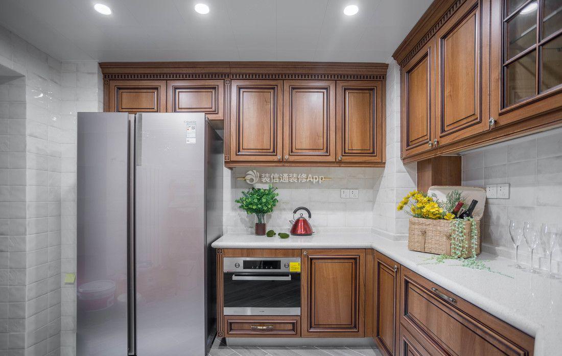 152平米家庭四室两厅厨房实木橱柜装修效果图